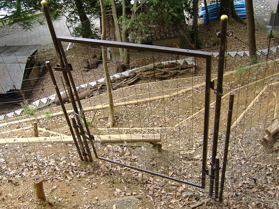 設置場所:敷地境界に門扉設置