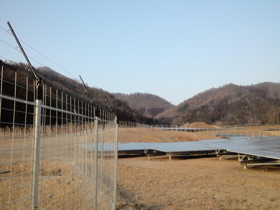 設置場所:太陽光発電所に設置②