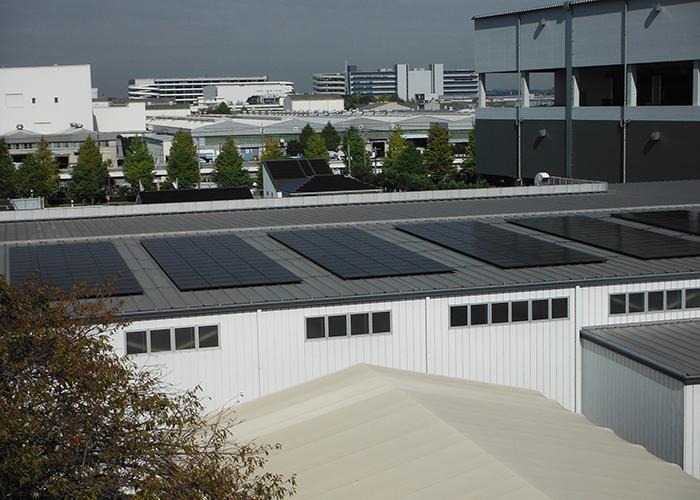 太陽光発電パネル取付イメージ写真 折板屋根