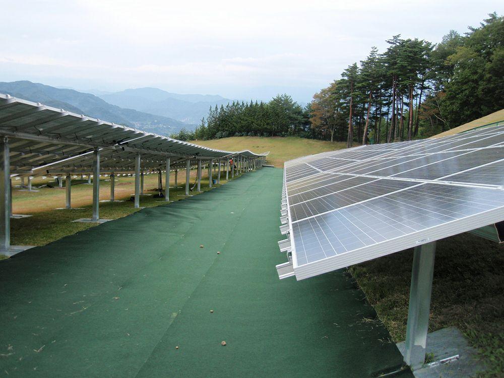 らくらく高耐久防草シート 太陽光発電所